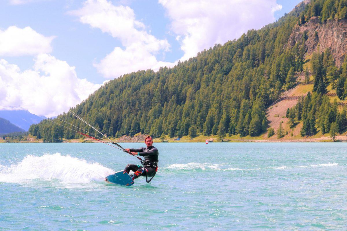 Kite surfer on the lake