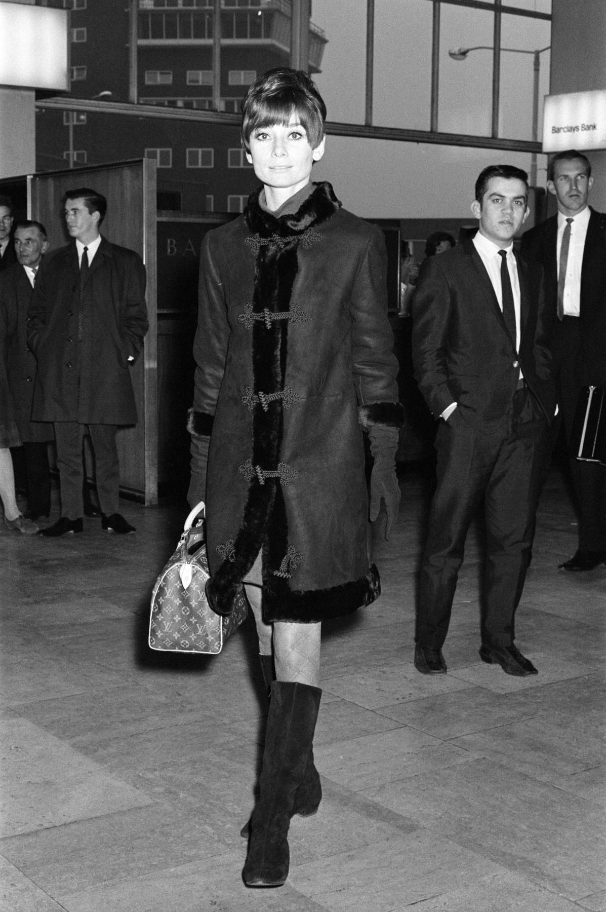 Audrey Hepburn with Louis Vuitton Speedy 25