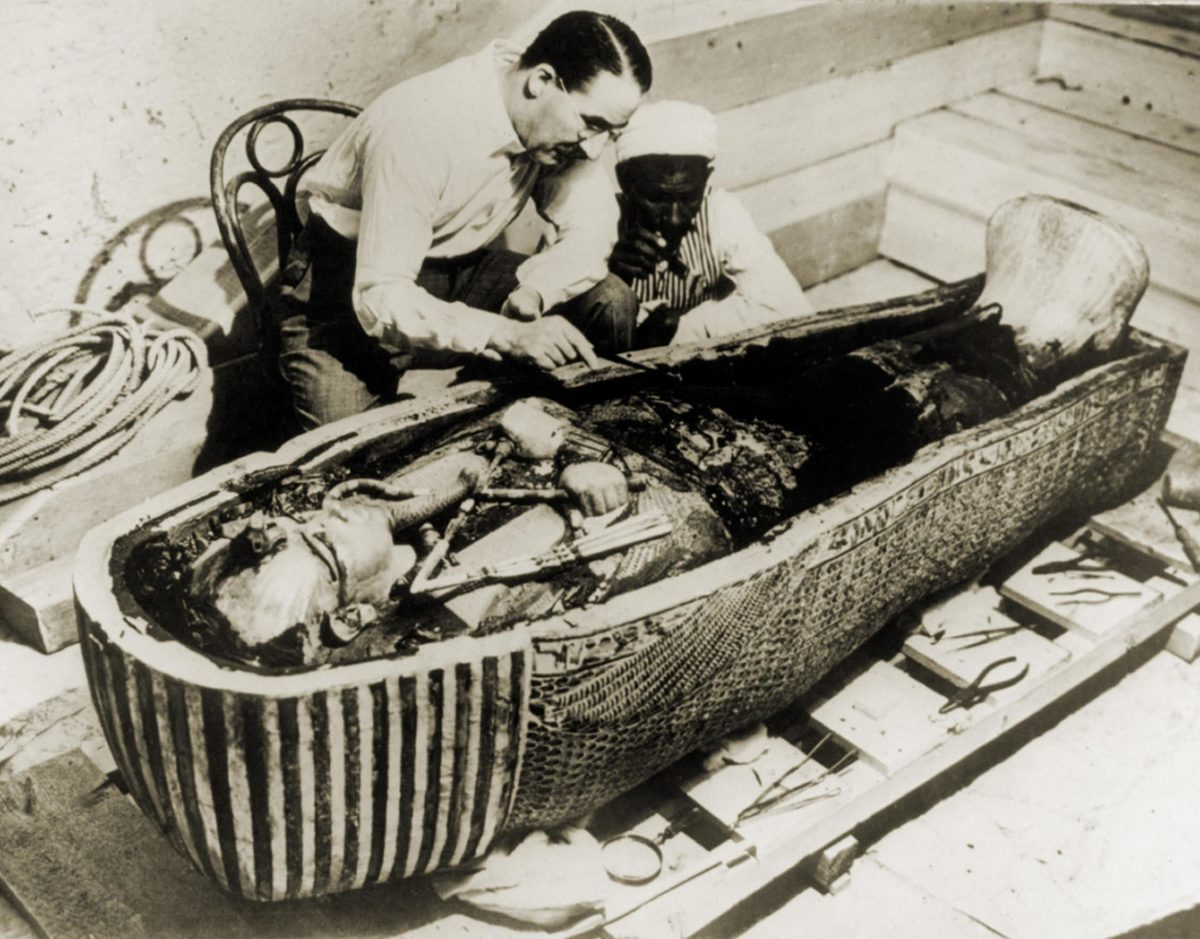 Howard Carter and the coffin of King Tutankhamun