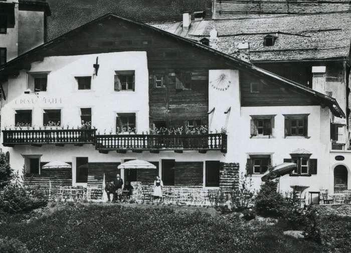 Old picture of Chesa Veglia