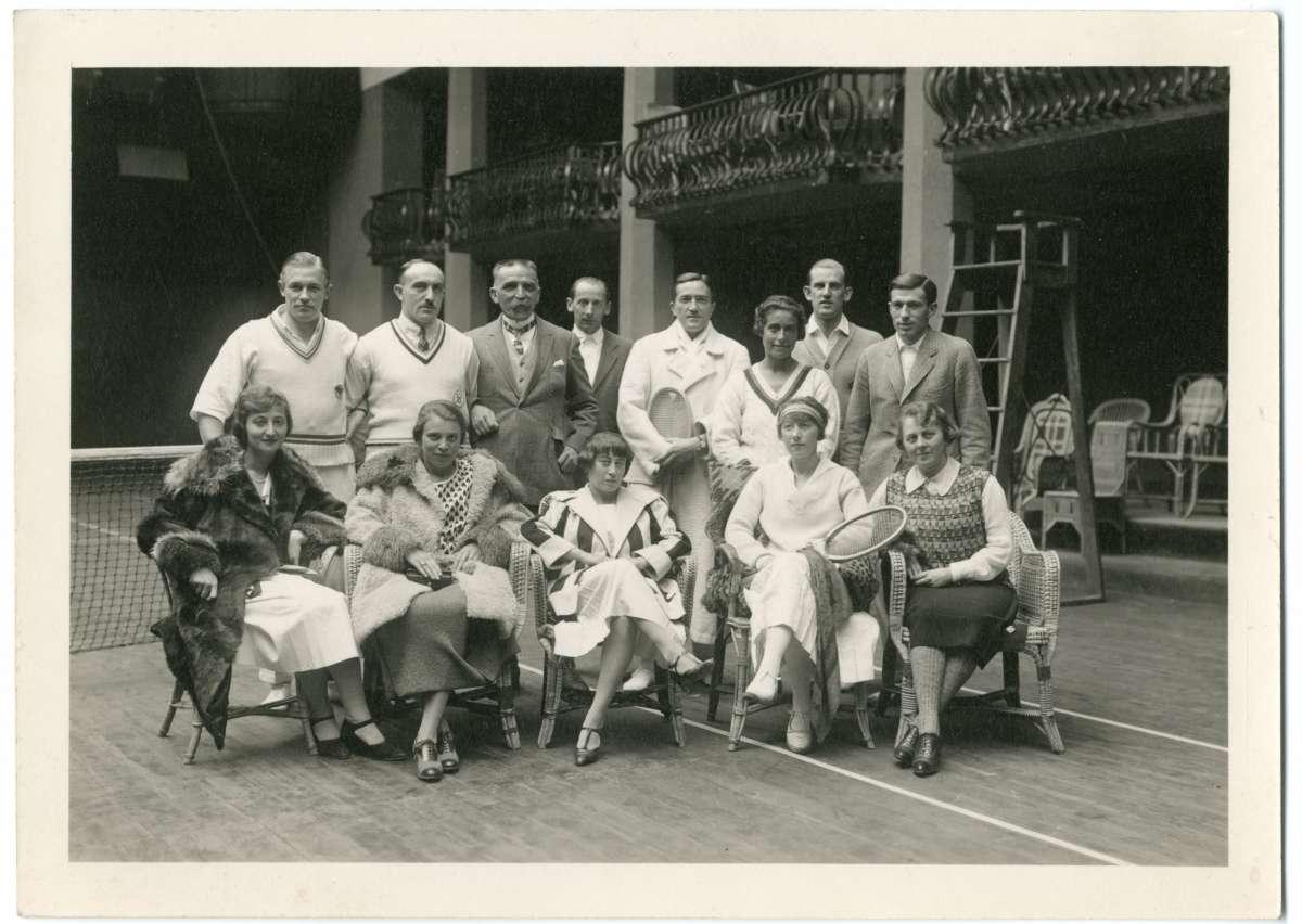 Historisches Tennisbild im Badrutt's Palace Hotel