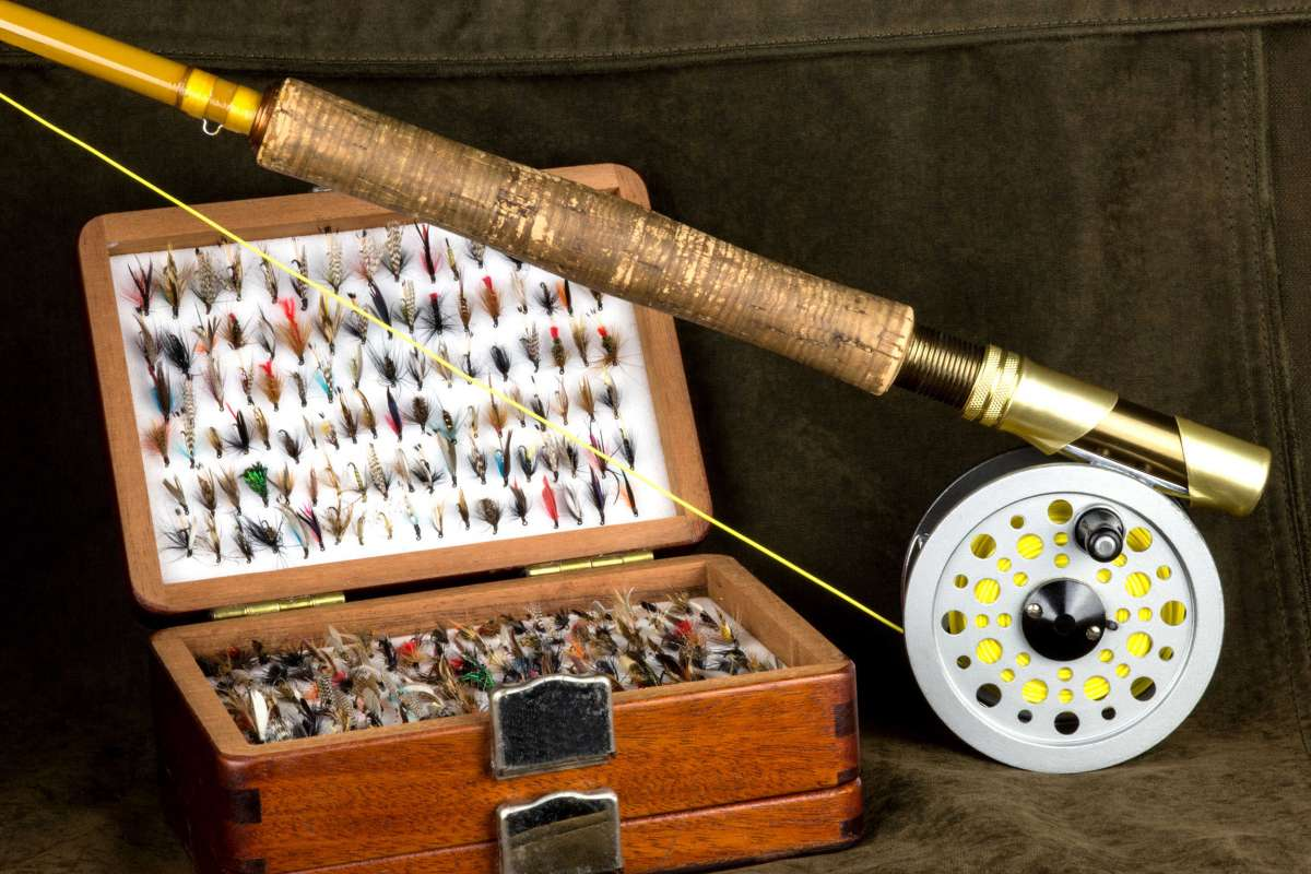 Fly fishing rod and fly box