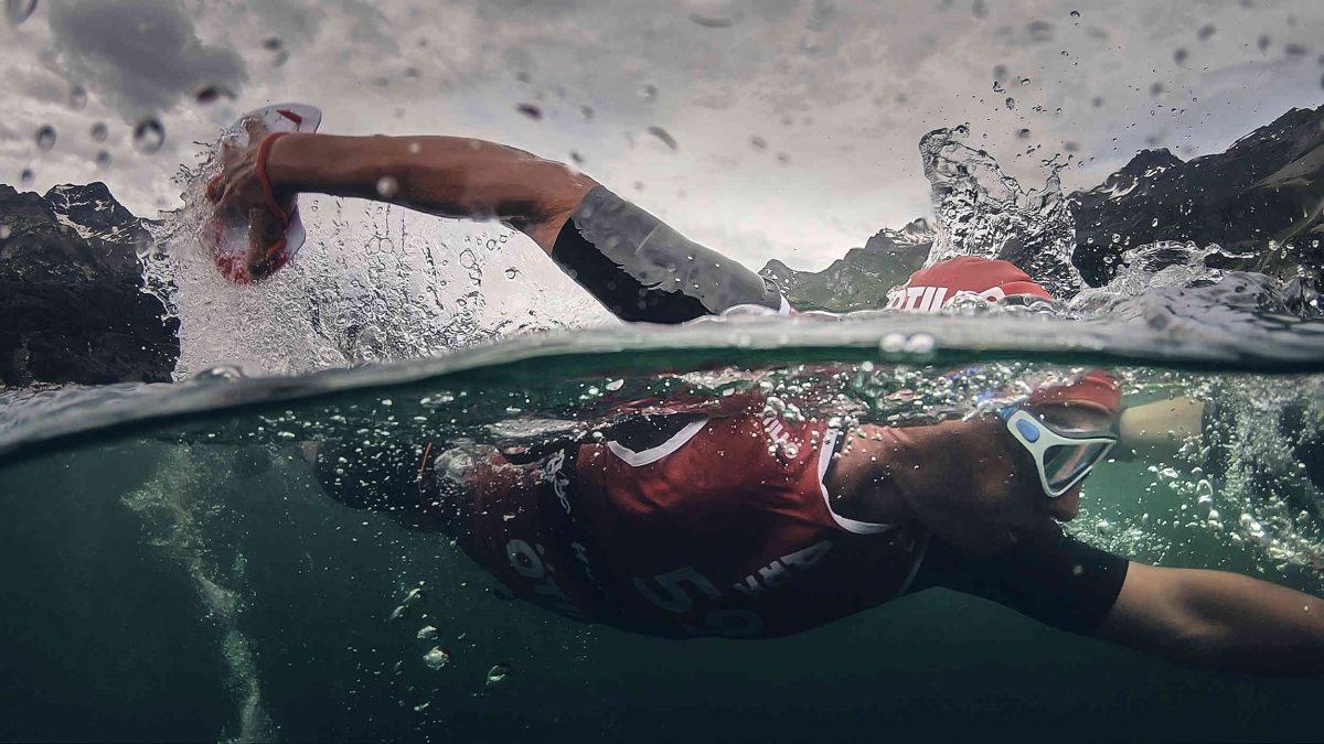A person wild swimming / Engadin St. Moritz Tourismus AG